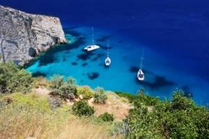 zeilboot huren griekenland baai