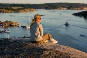 girl-archipelago.jpg