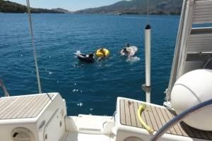 zwemmen-achter-de-boot.jpg