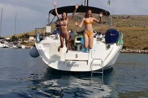 meezeilen-kroatie-van-boot-springen.jpg