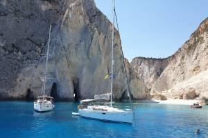 flottielje-zeilen-griekenland-mooie-baai.jpg