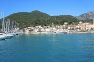 Zeilen-langs-de-kust-van-Italie.jpg