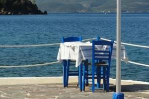 zeilen lefkas - griekse stoelen