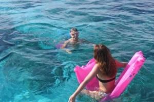 zwemmen - meezeilen Mallorca.JPG
